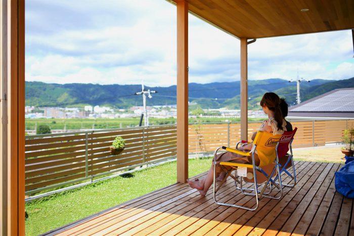 八幡市T様邸<br>バーベキューや景観が楽しめる大きなウッドデッキがあるお家